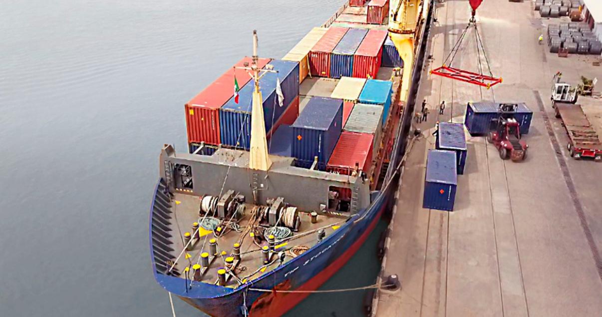 La escasez de contenedores en China se debe a la congestión en los puertos de destino.
