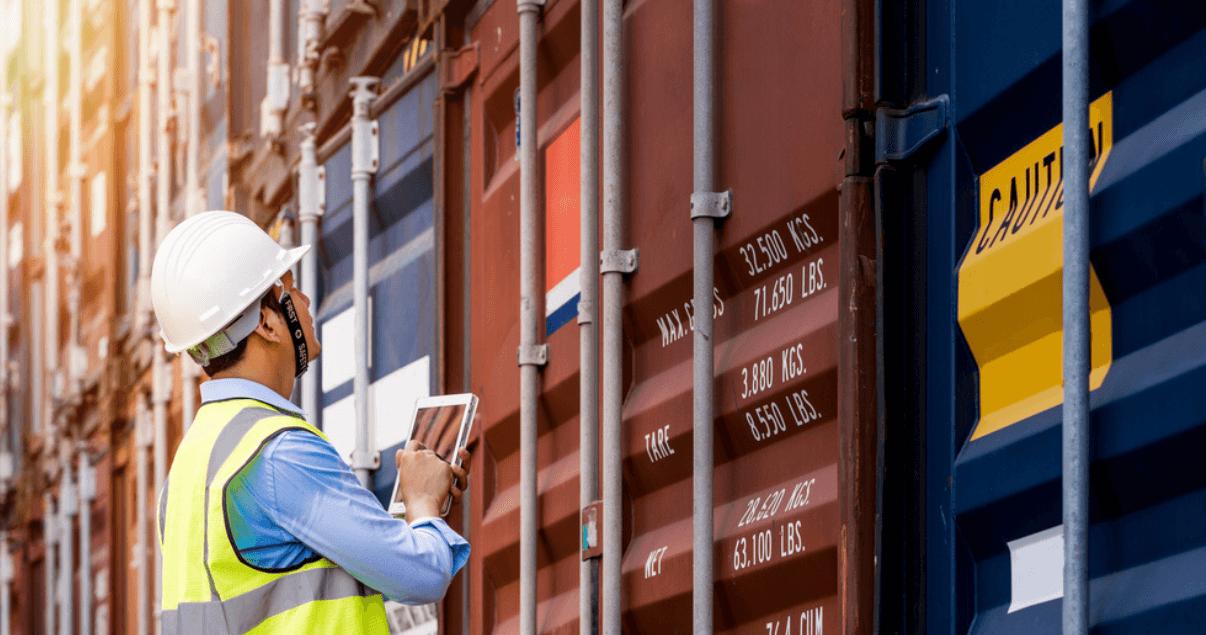 Los contenedores se acumulan en puertos y provocan una congestión en el comercio internacional