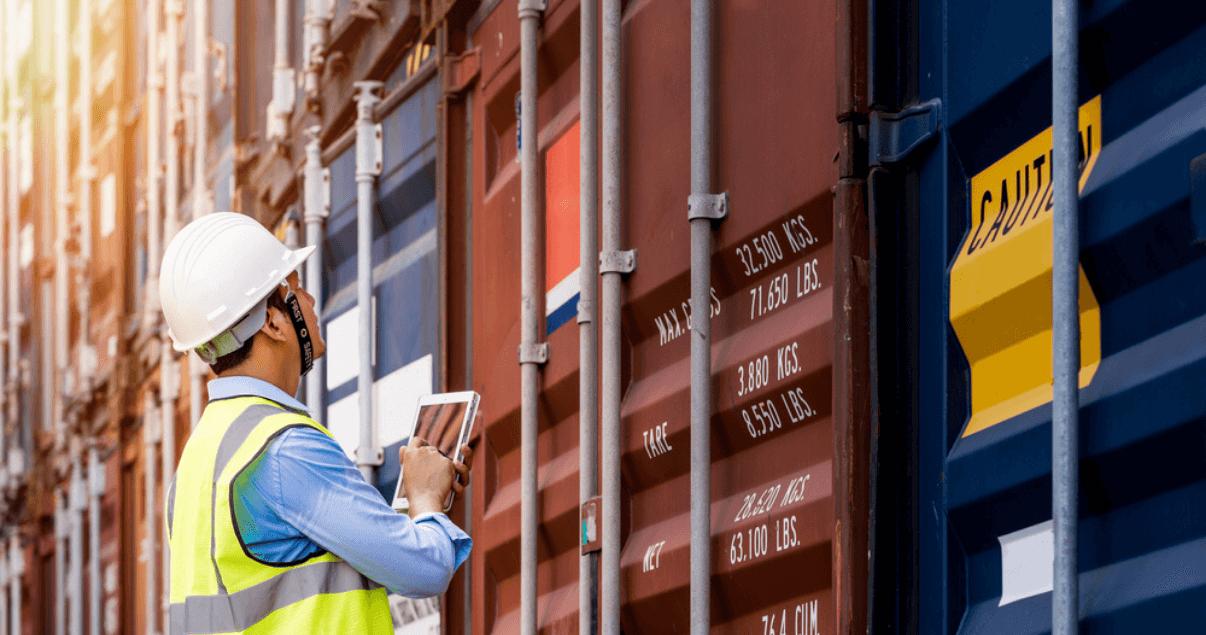La importación supone someter la mercancía a la fiscalización tributaria aduanera.