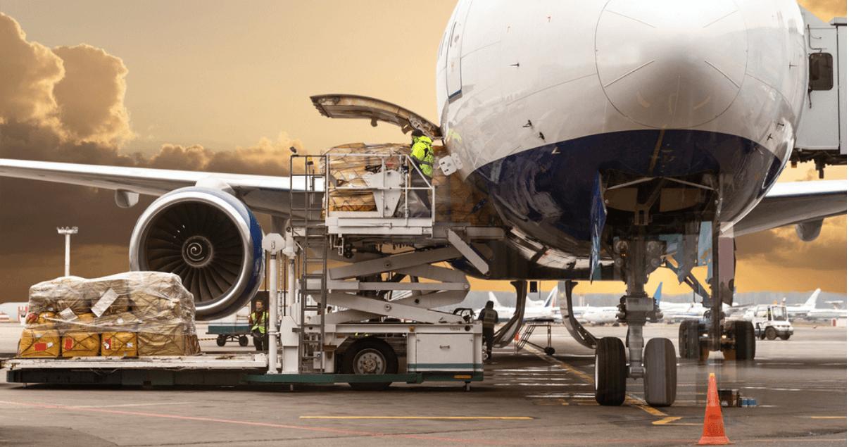 Transporte aéreo en crisis durante la pandemia de COVID-19.