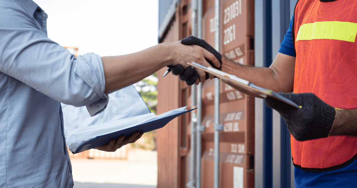 Uno de los requisitos para importar a México es contar con un agente aduanero.