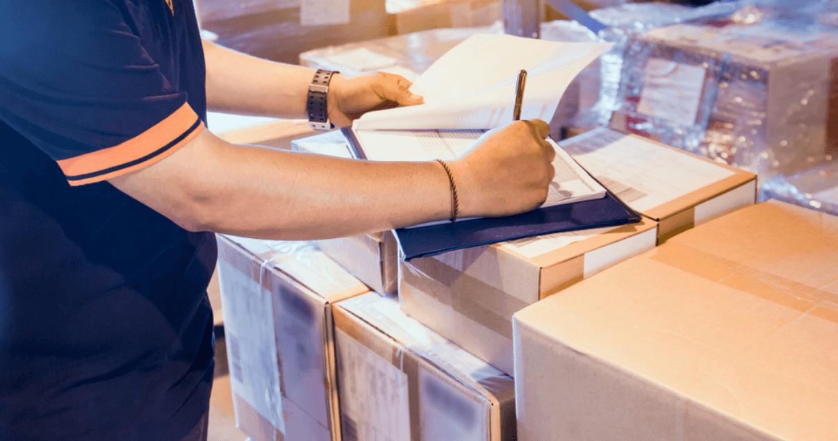 El despacho de aduana comprende el conjunto de las formalidades legales en logística internacional.