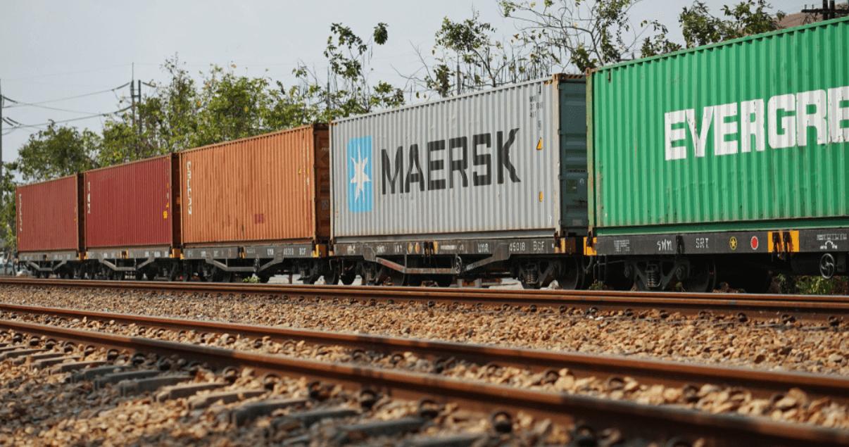 BP4_El transporte ferroviario es el más conveniente para mover contenedores completos.